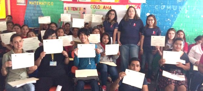 Capacitadores del Instituto Noreste ofrecen curso de autoestima a líderes educativos comunitarios